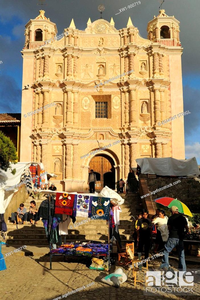 Imagen: Santo Domingo church the colonial oldtown of San Cristobal de las Casas, Chiapas, Mexico, Central America.