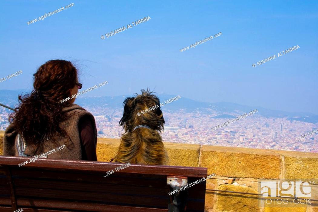 Stock Photo: Contemplating Barcelona city from Montjuic castel.Europe, Spain, Catalonia.Marzo 2010.