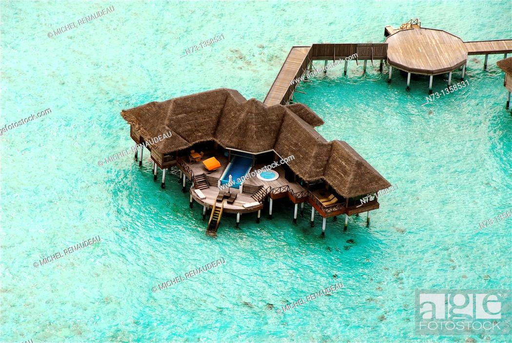 Stock Photo: Maldives, Huvafen Fushi Per Aquum Resort, vue aerienne.