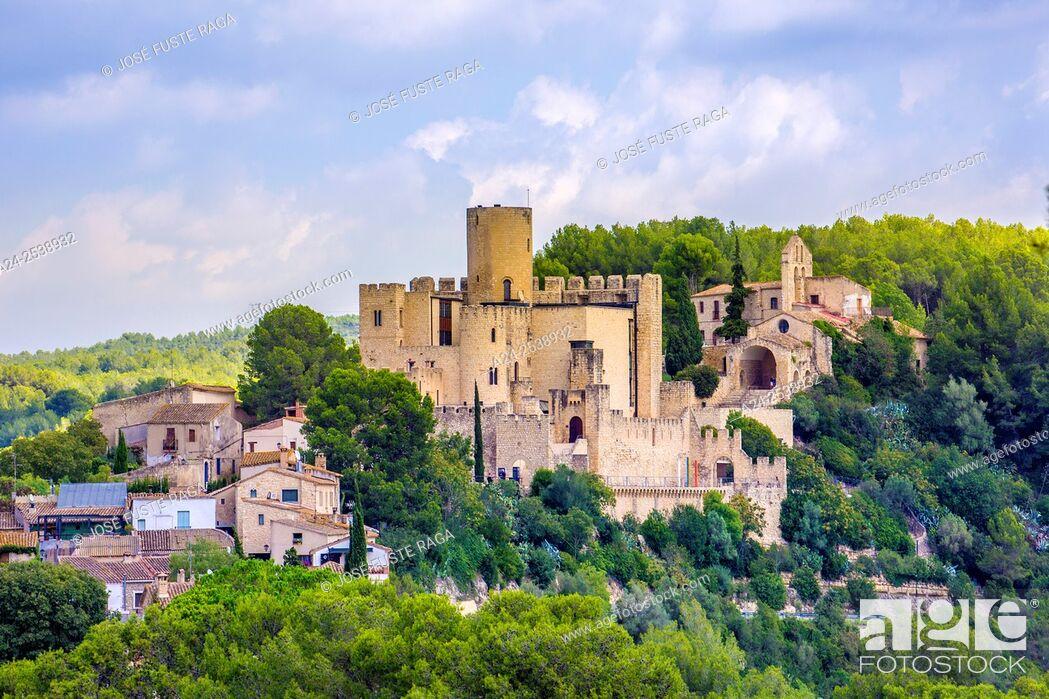 Imagen: Spain, Catalonia, Barcelona province, Castellet City, the castle.