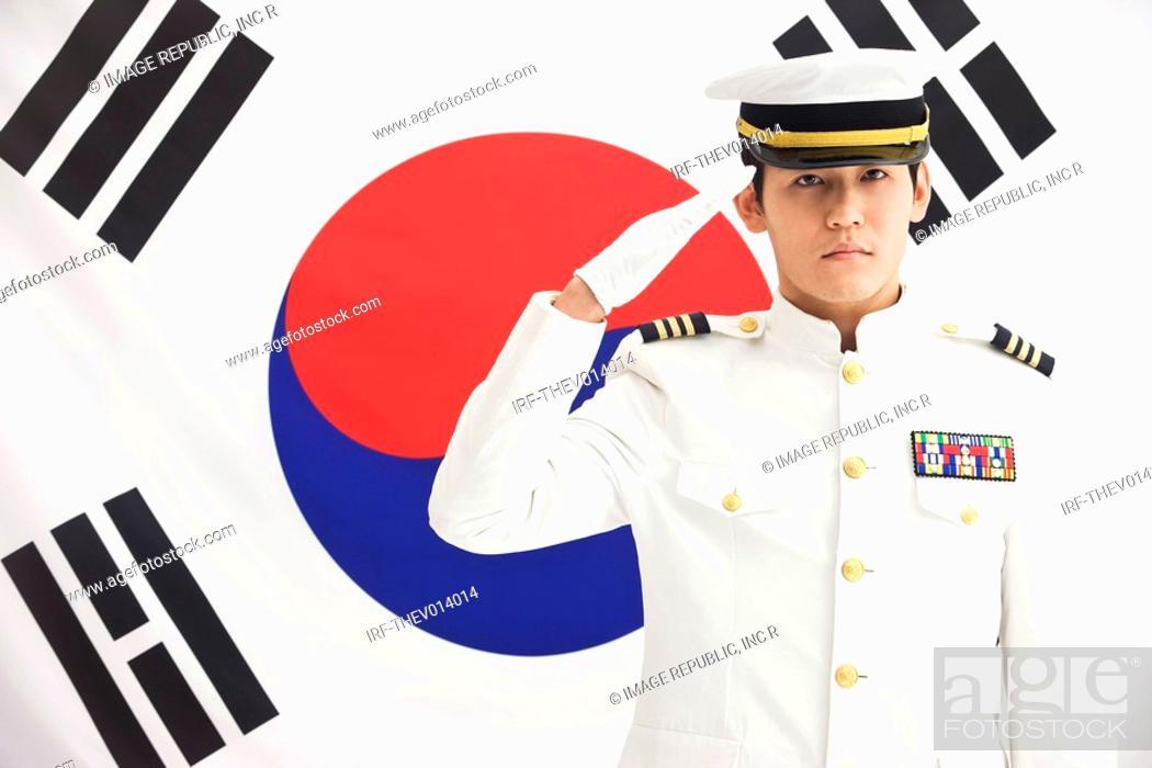 Photo de stock: navy in front of Korean flag, Taegeukgi.