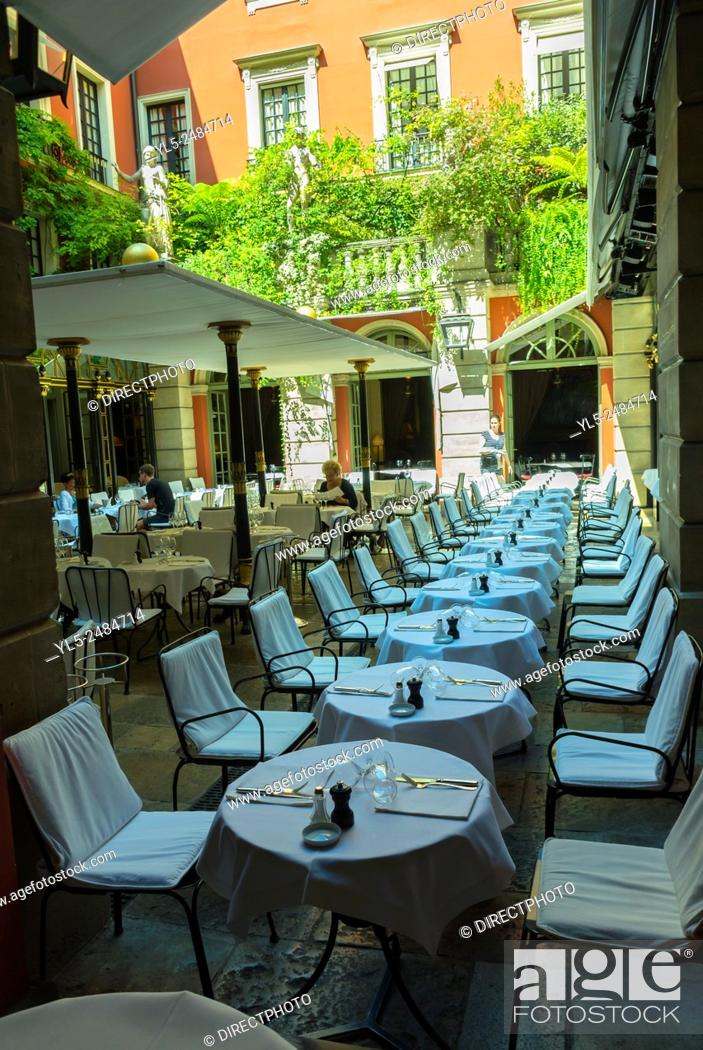 Paris France Outside Luxury Hotel Costes Restaurant Tables In Garden Stock Photo Picture And Rights Managed Image Pic Yl5 2484714 Agefotostock