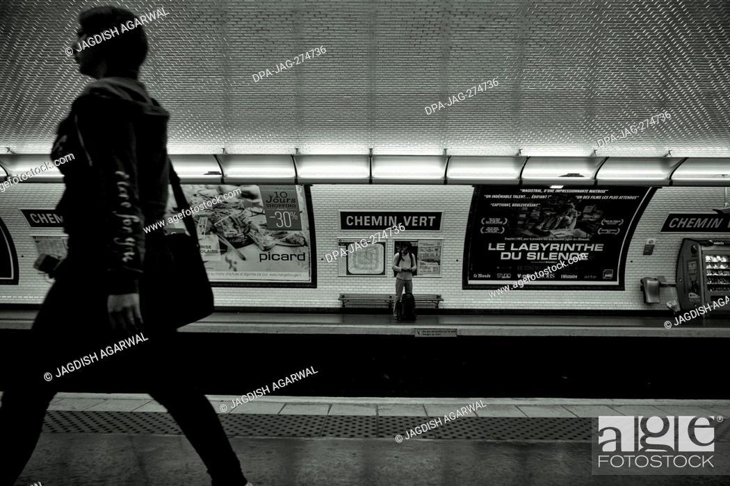 Imagen: Chemin Vert, metro station platform, Paris, France, Europe.