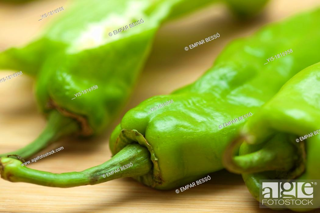 Stock Photo: italian green peppers. Valencia. Spain.