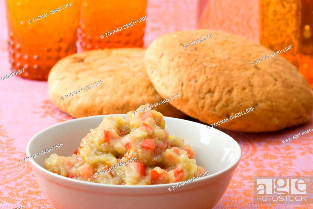 Stock Photo: Auberginencreme mit Tomaten - Aubergine cream with tomatoes.