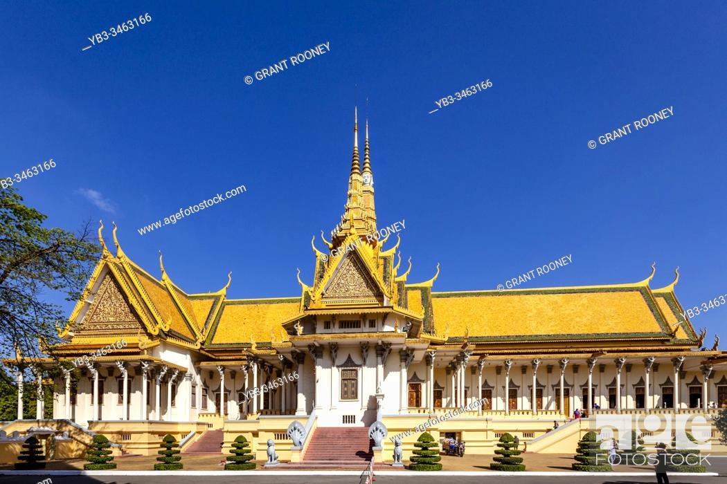 Stock Photo: The Throne Hall At The Royal Palace, Phnom Penh, Cambodia.