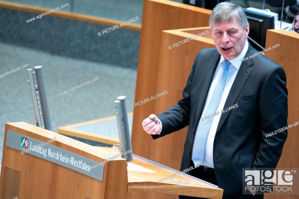 Imagen: 04 March 2021, North Rhine-Westphalia, Duesseldorf: Bodo Löttgen, Chairman of the CDU parliamentary group speaks in the Landtag.