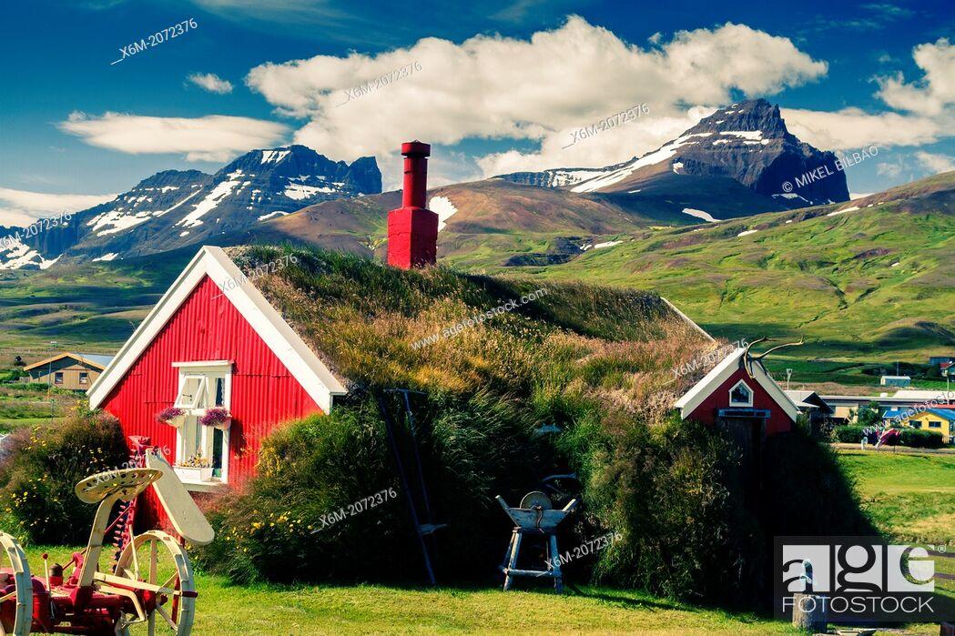 Imagen: Turf house. Bakkagerdi village. Borgarfjordur Eystri Fjord. East Fjords. Iceland, Europe.
