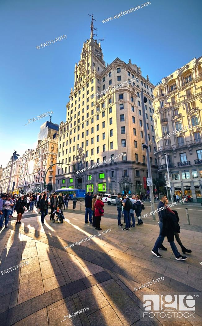 Imagen: Montera street with Telefonica building at the right hand side. Gran Via Street, Madrid. Spain.