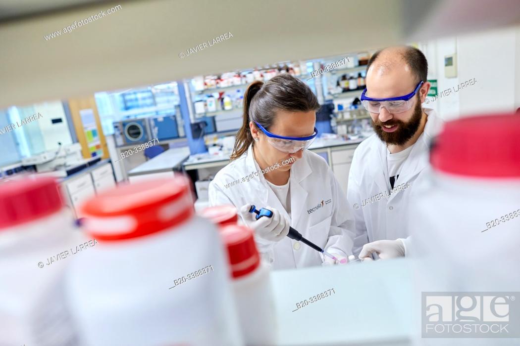 Imagen: Chemical laboratory, Biomaterials Laboratory, Unit of Health Technology, Technology Centre, Tecnalia Research & Innovation, Donostia, San Sebastian, Gipuzkoa.