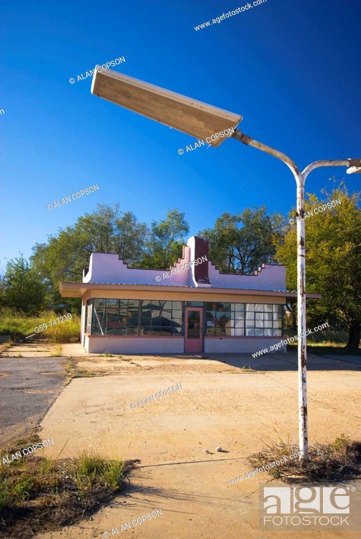 Stock Photo: USA Texas Route 66 Shamrock  PB Wooldrige Gas Station 1938.