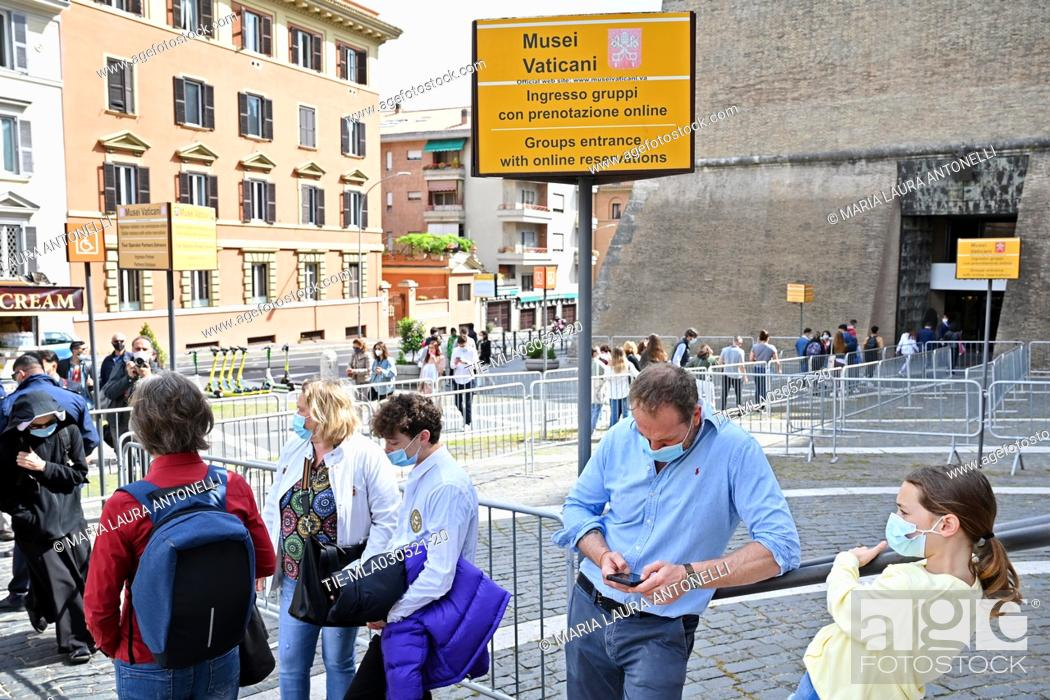 Stock Photo: The Vatican Museums reopen after the last lockdown for the Covid-19 pandemic, Line of tourists at the entrance, Rome, ITALY-03-05-2021 **EDITORIAL NEWS USE.