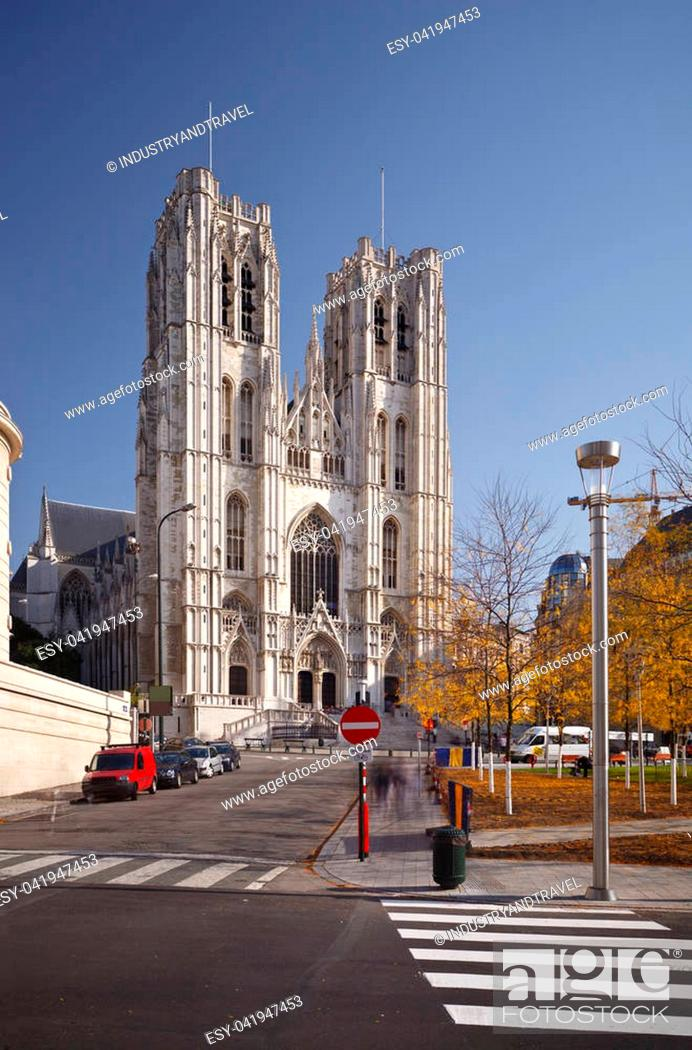 Photo de stock: The impressive cathedral of Brussels, Belgium. Long exposure shot to blur people and passing cars.