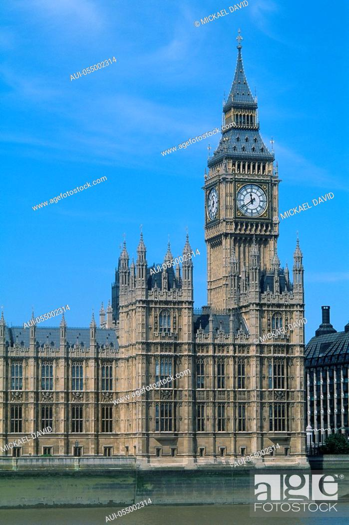 Stock Photo: England - London - Westminster district - Big Ben and the Houses of Parliament.