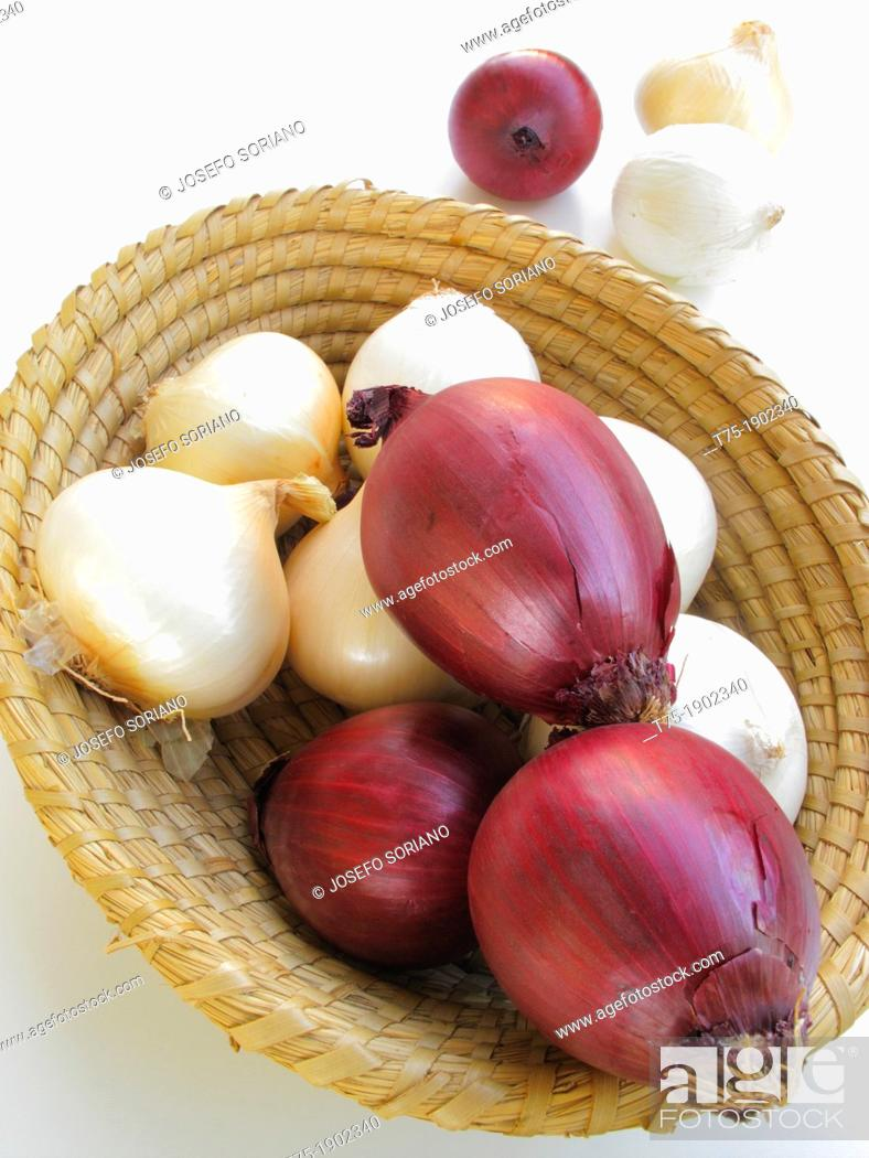 Stock Photo: Basket of onions.