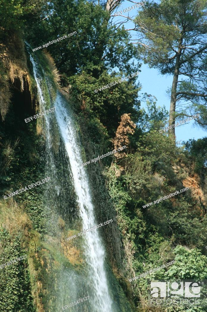 Imagen: Waterfall. Country: France, Region: Provence, City: Sillans.