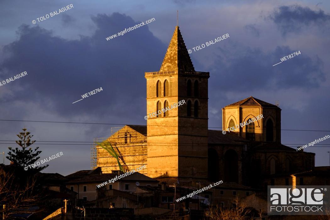 Stock Photo: Iglesia Parroquial de Santa Maria, del S. XIII, reconstruida en el S. XVI, Sineu, Mallorca, balearic islands, spain, europe.