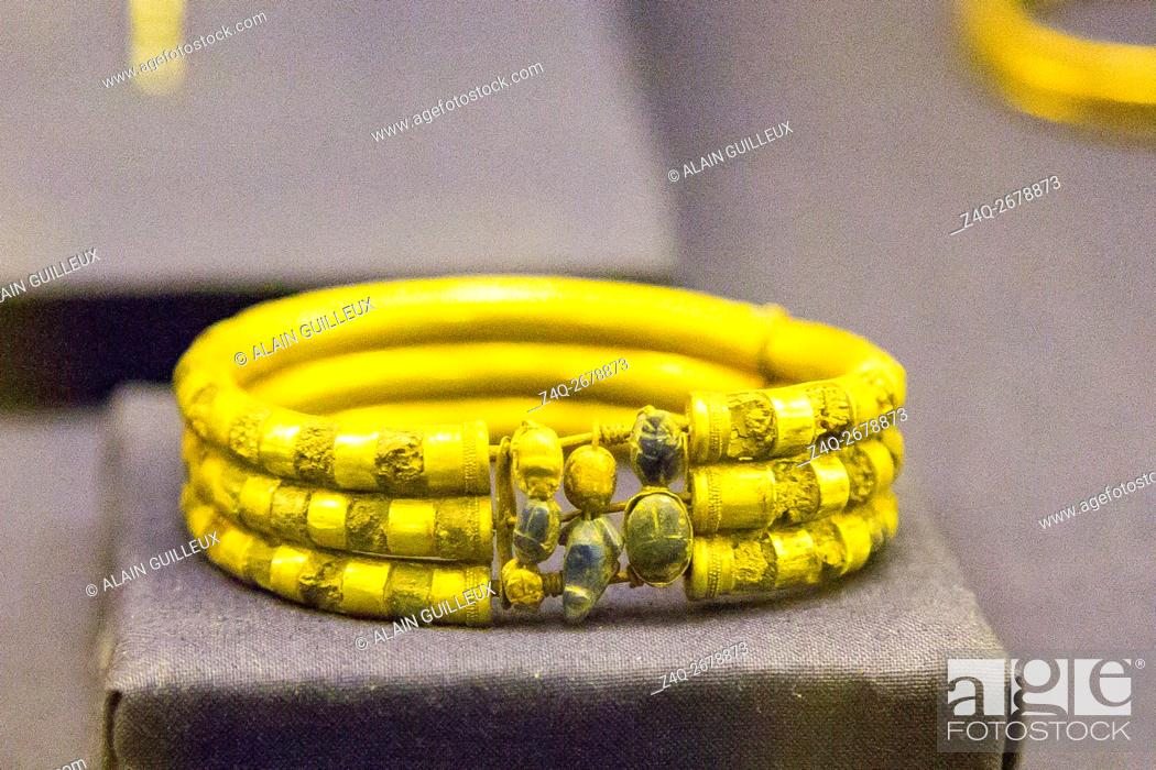 Stock Photo: Egypt, Cairo, Egyptian Museum, jewellery found in the royal necropolis of Tanis : Bracelet with small scarabs, burial of prince Hornakht.
