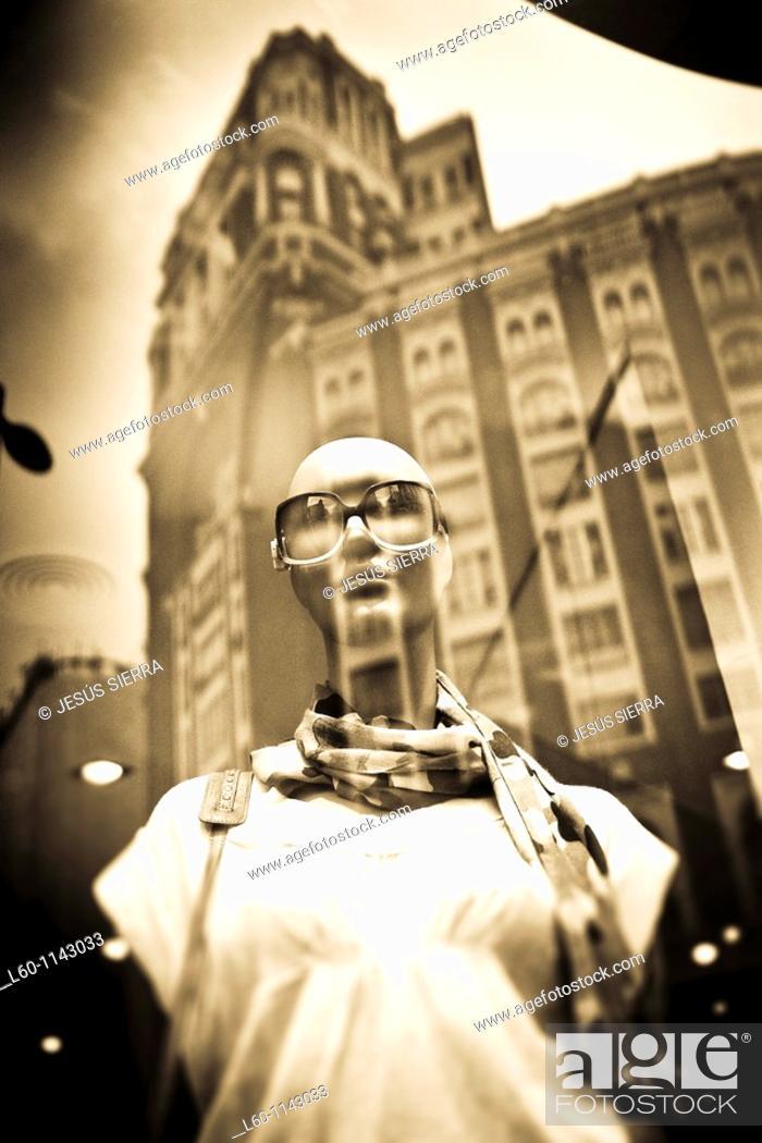 Stock Photo: Shop in Gran Via, Madrid, Spain.