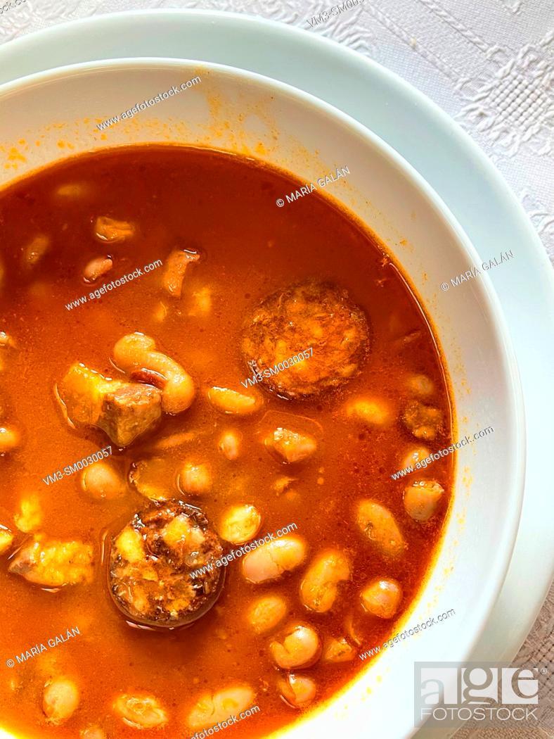 Imagen: Beans stew. Spain.