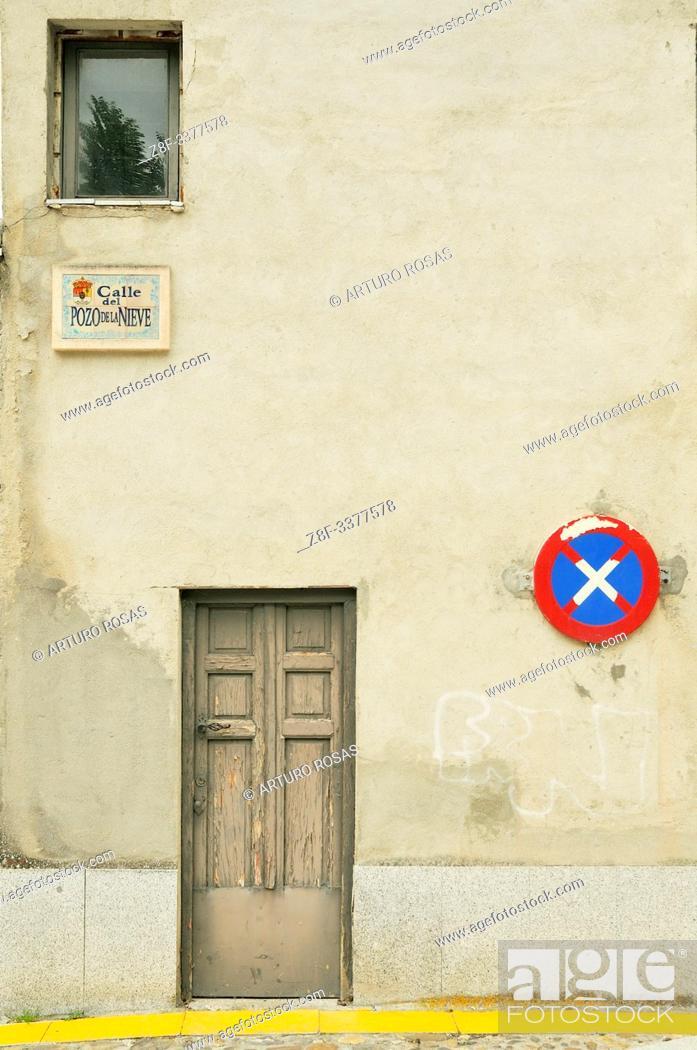 Stock Photo: Pozo de la Nieve Street. Real Sitio de San Ildefonso, Segovia.