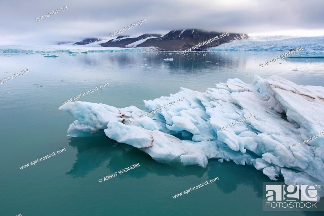 Stock Photo: Ice floe in front of Monacobreen, glacier in Haakon VII Land which debouches into Liefdefjorden, Spitsbergen / Svalbard.