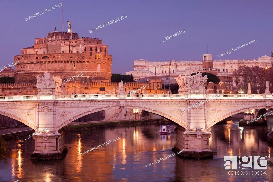 Stock Photo: Castel Sant'Angelo, Rome, Italy.