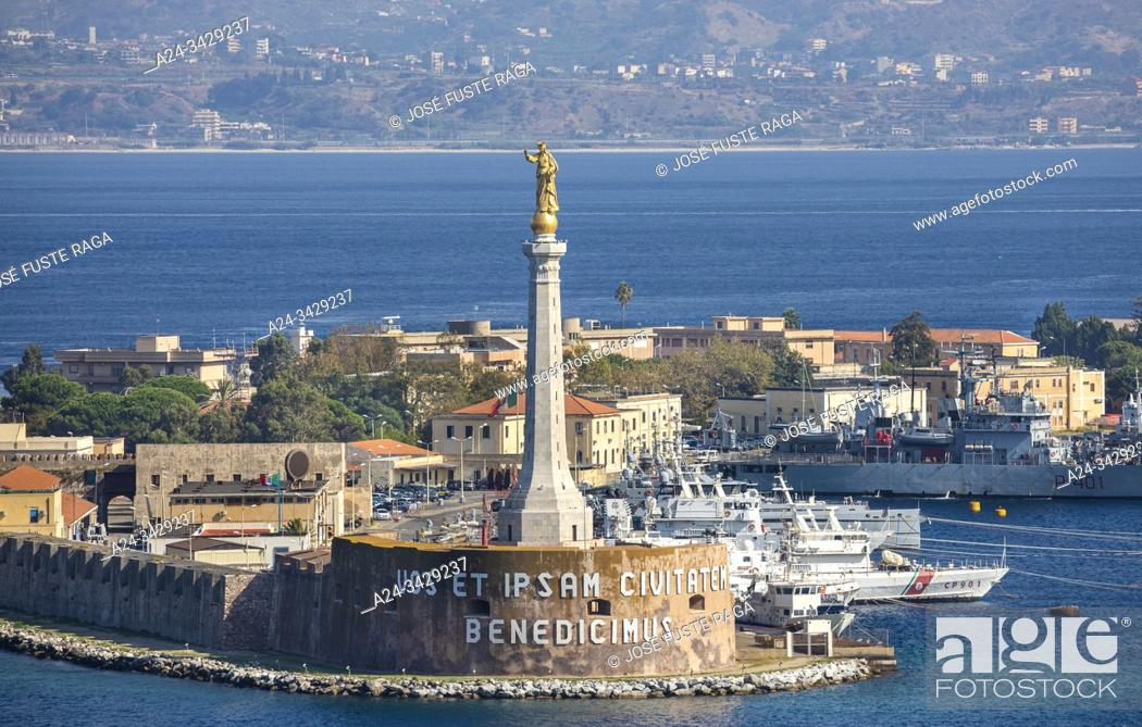 Stock Photo: Italy, Sicily Island, Mesina City, Lighthouse, Mesina Strait.