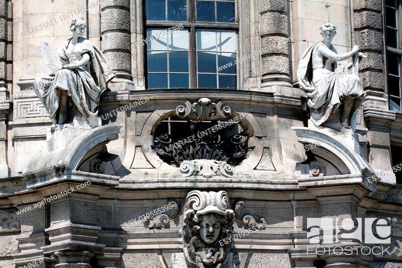 Stock Photo: Figuren aus Stein-2.