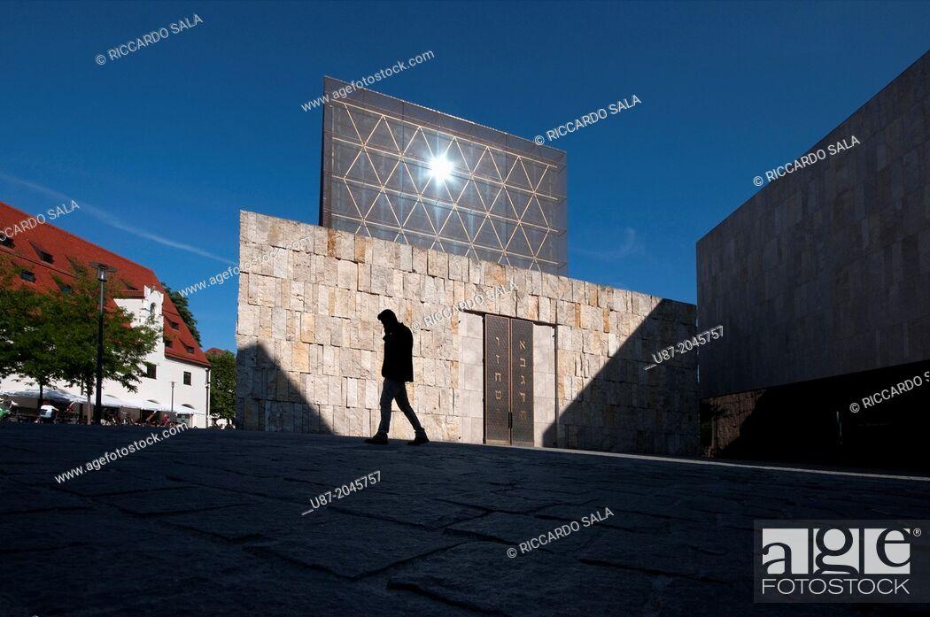 Stock Photo: Germany, Bavaria, Munich, Jakobsplatz, Jacob Square, Main Synagogue.