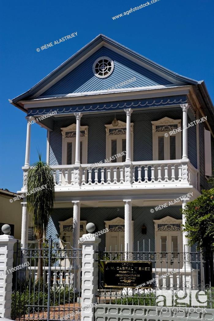 Stock Photo: Dominican Republic - Centre - The Cibao - Santiago - The old centre.