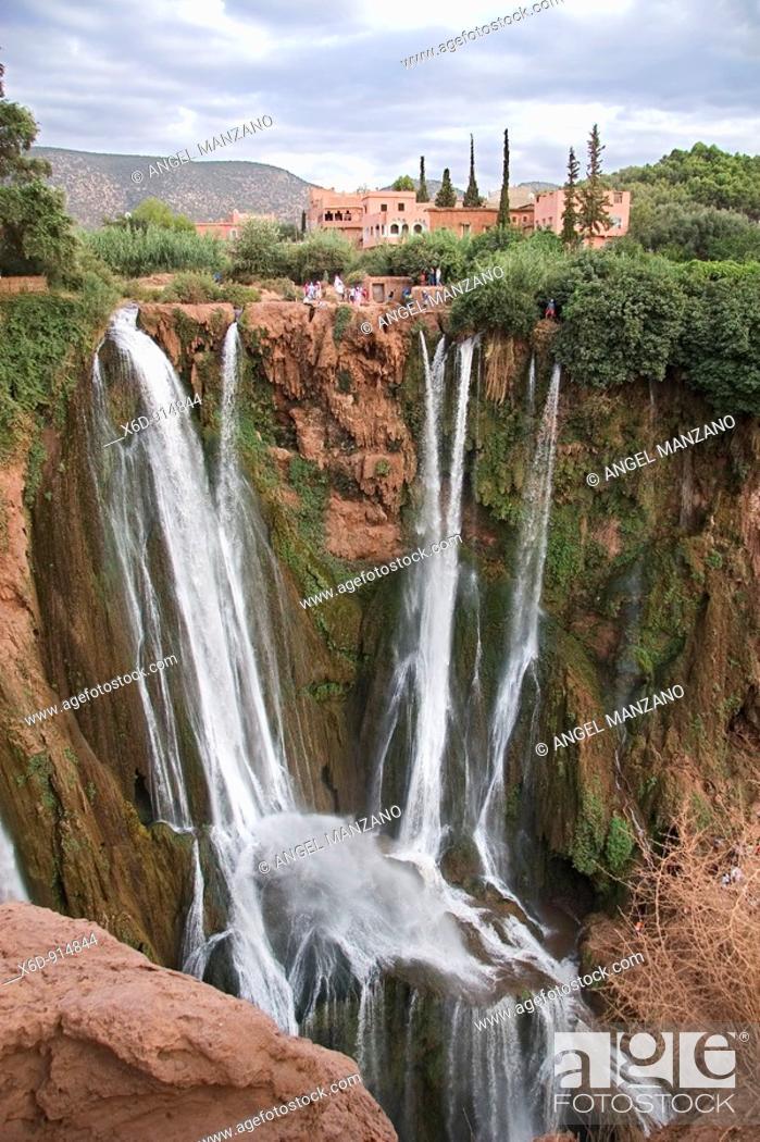 Stock Photo: Ouzoud falls, Tanaghmeilt, Marocco.