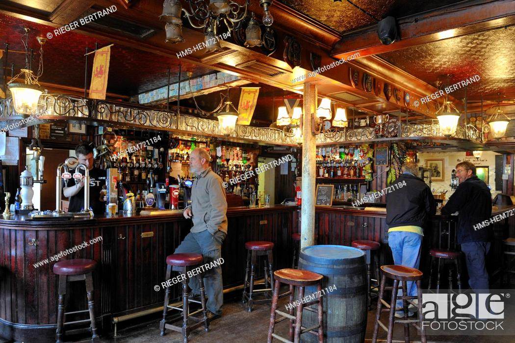 Stock Photo United Kingdom Scotland Highland Inner Hebrides Isle Of Mull Tobermory The Mishnish Hotel And Pub