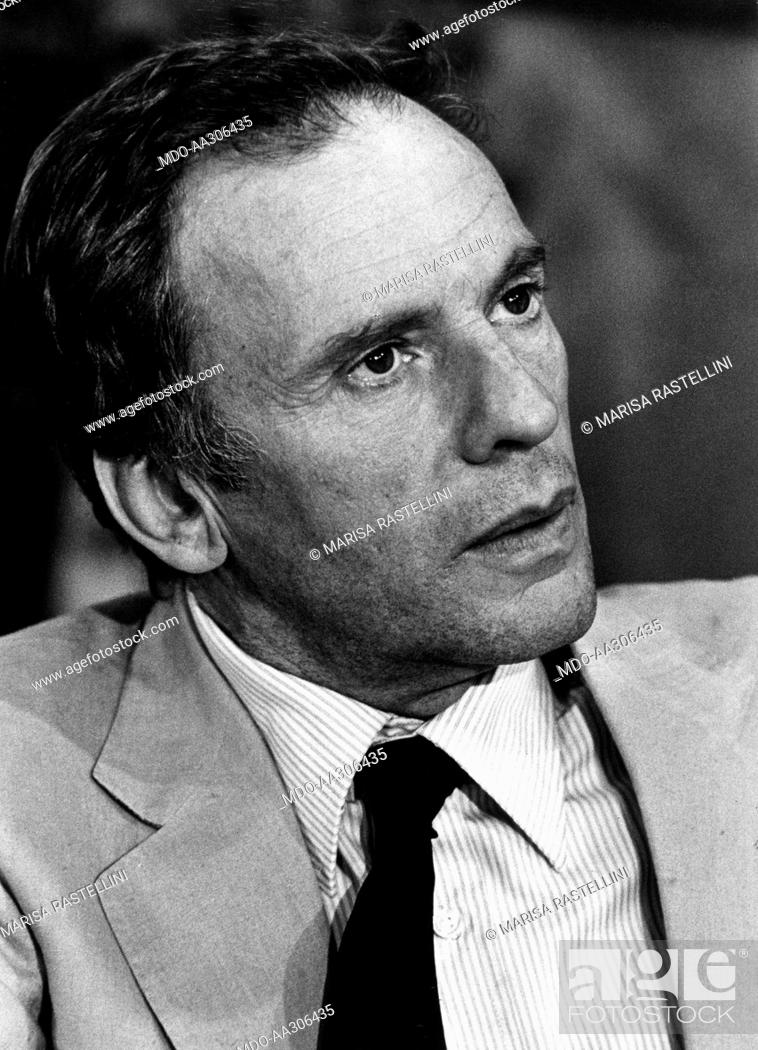 Jean-Louis Trintignant on the set. French actor Jean-Louis ...