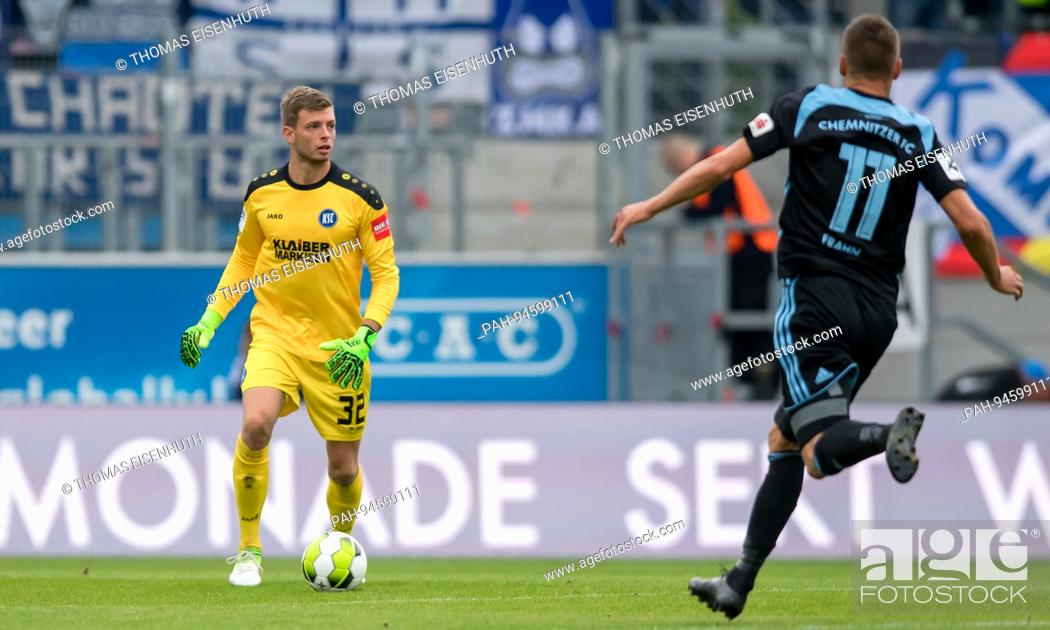 Torwart Benjamin Uphoff Ksc Am Ball Ges Fussball 3 Liga