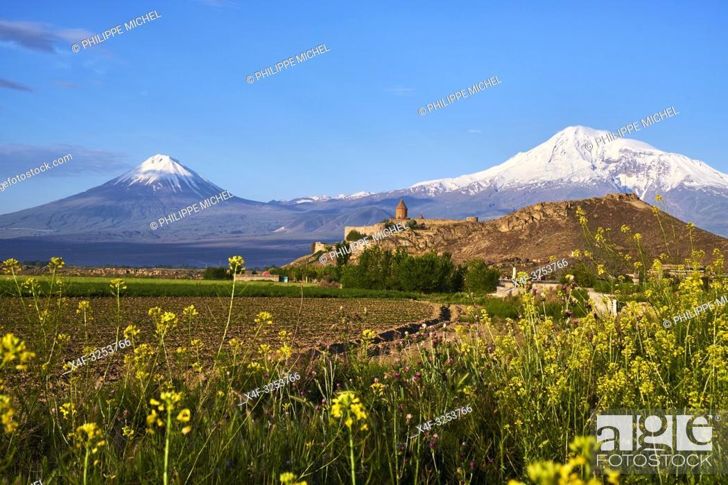 Stock Photo: Armenie, region d'Ararat, monastère de Khor Virap et le mont Ararat / Armenia, Ararat region, Khor Virap monastery and Ararat mountain.