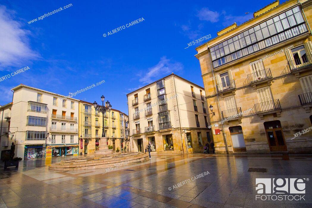 Imagen: Street Scene, Tipycal Architecture, Old Town, Soria, Castilla y León, Spain, Europe.