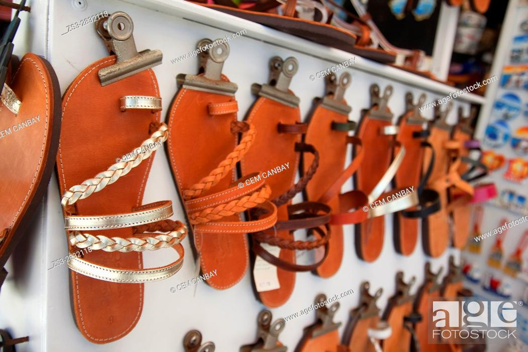 Imagen: Sandals made from leather at a shop in the old town Chora, Naxos, Cyclades Islands, Greek Islands, Greece, Europe.