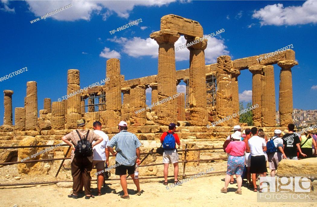 Stock Photo: Italy, Sicily, Agrigento, dei Giuno temple - Era Lacinia.