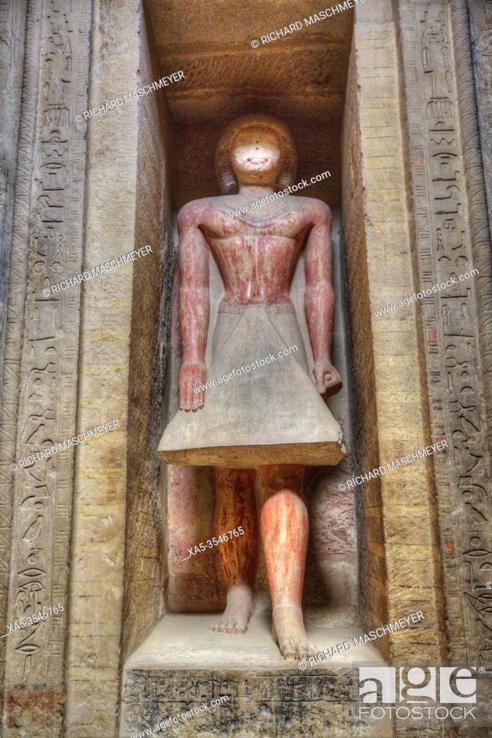 Photo de stock: Statue of Mereruka, Mastaba of Mereruka, Necropolis of Saqqara, UNESCO World Heritage Site, Saqqara, Egypt.