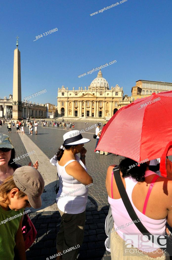 Stock Photo: St. Peter's square and St. Peter's Basilica. Vatican city. Rome. Italy.