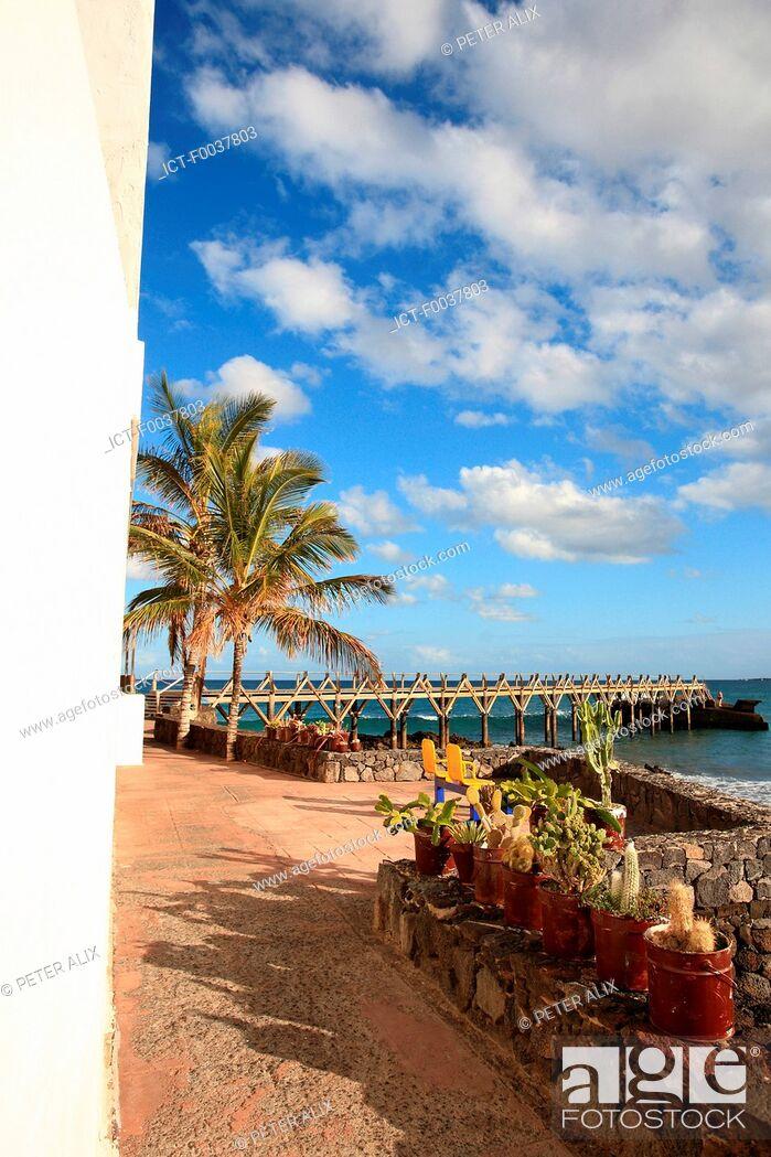 Stock Photo: Spain, Canary islands, Lanzarote, Arrieta.