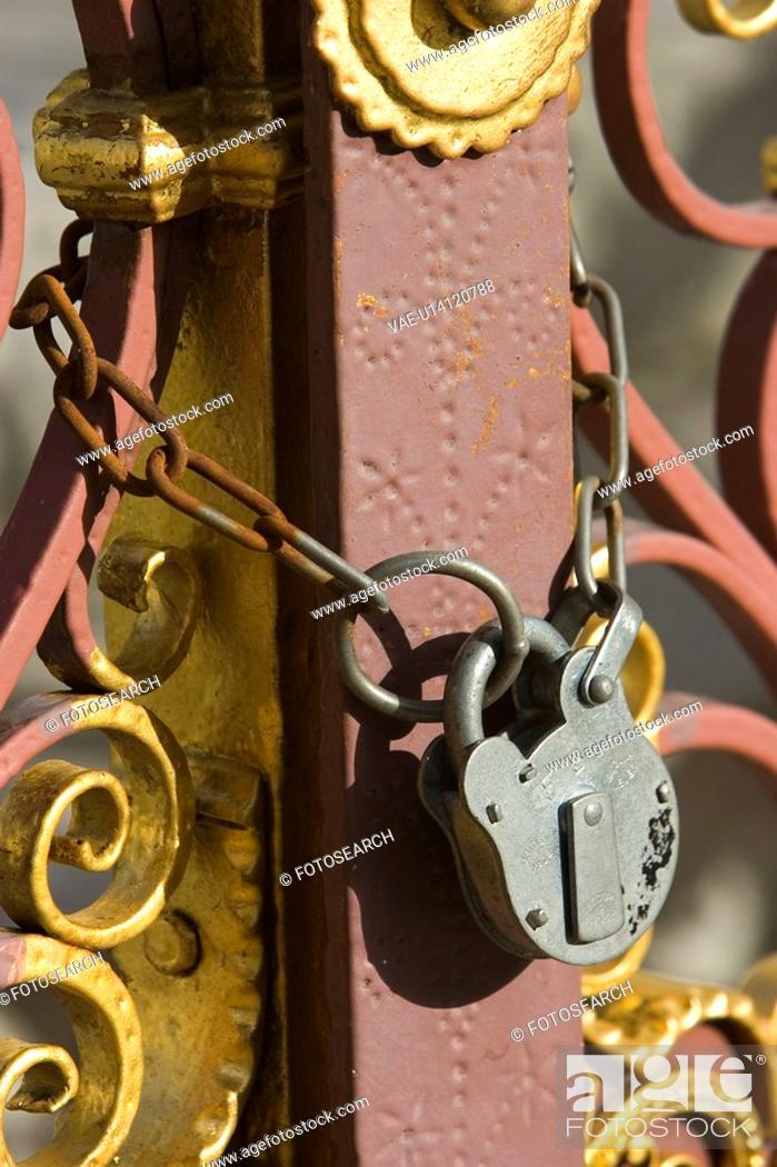 Stock Photo: Chain, Closed, Close-Up, Iron, Lock.