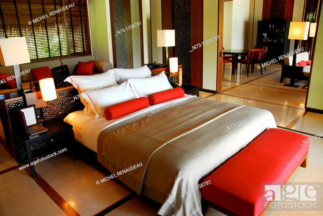 Stock Photo: Situé au nord de Malé, à moins d'une heure en vedette de l'aéroport,l'Hotel One & Only Reethi Rah figure parmis les adresses de choix aux Maldives.
