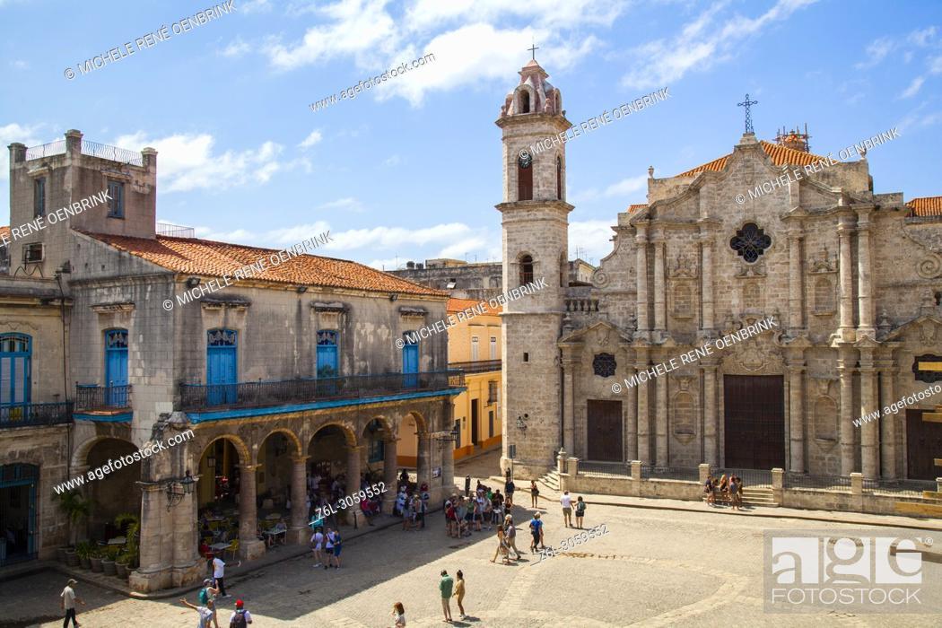 Stock Photo: Cuba, Ciudad de la Habana province, La Havana, La Habana Vieja district listed as World Heritage, Cathedral square and Catedral de la Virgen Maria de la.