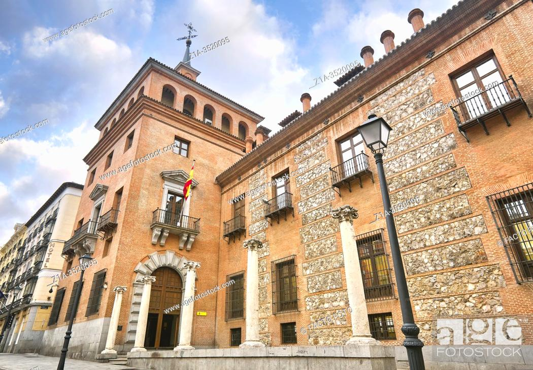 Imagen: The house with the seven chimneys. Headquarters of the Ministry of Culture and Sport. Madrid. Spain.
