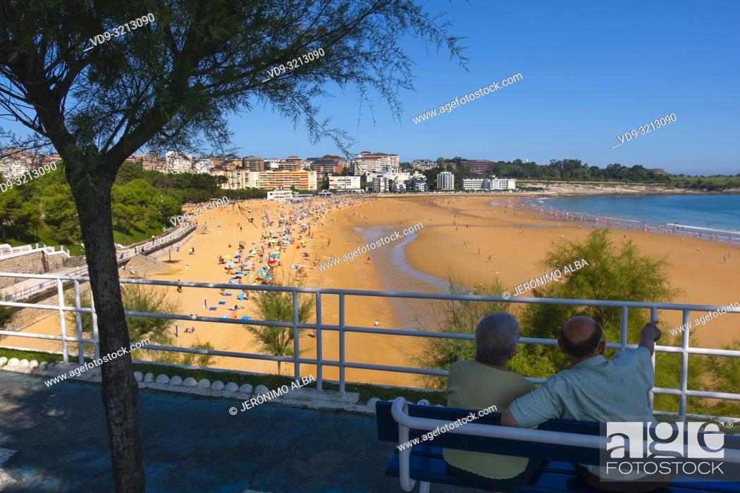 Stock Photo: Piquio garden and Sardinero beach in summer. Santander, Cantabrian Sea, Cantabria, Northern Spain, Europe.