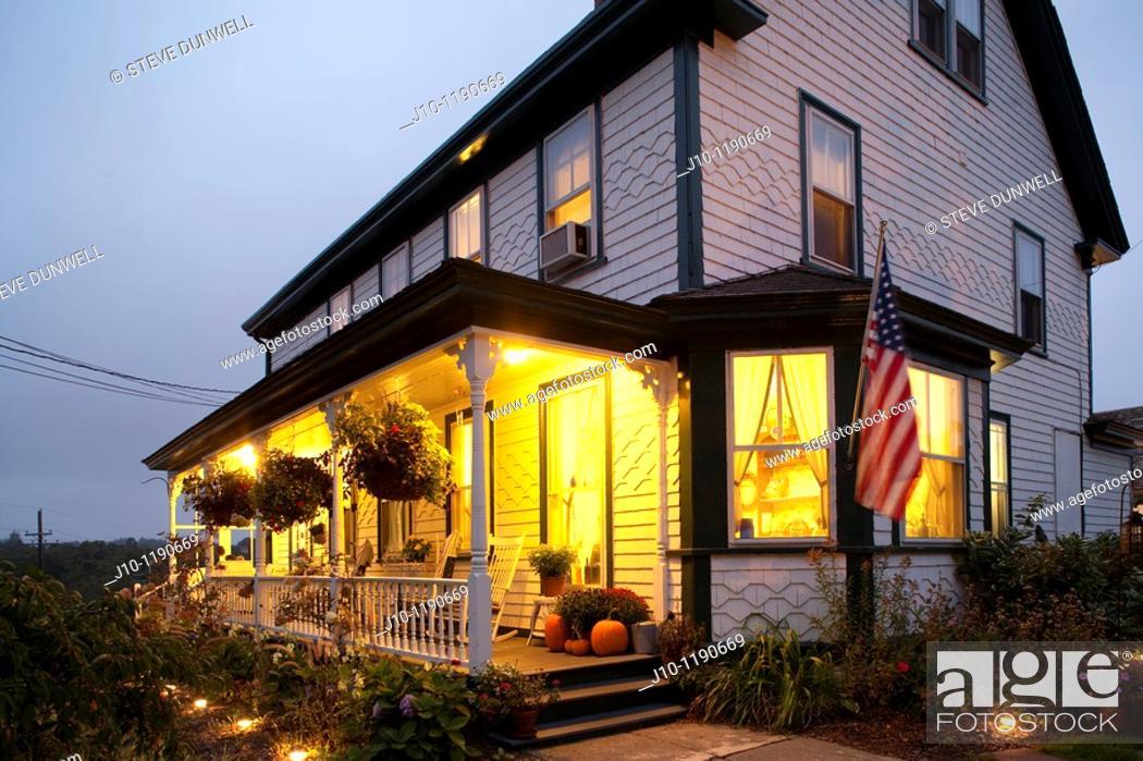 Stock Photo: The Island Home Inn, Block Island, RI a bed-and-breakfast , Rhode Island , U.S.A.