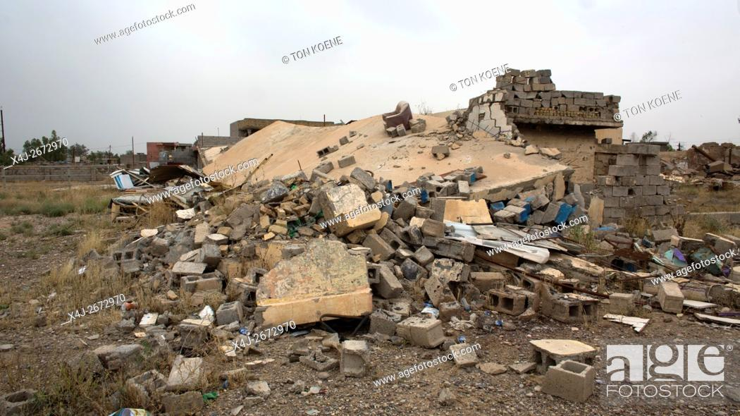 Photo de stock: Jalawla, town in North Eastern Iraq being destroyed after heavy fighting between IS and Kurds/Militias.