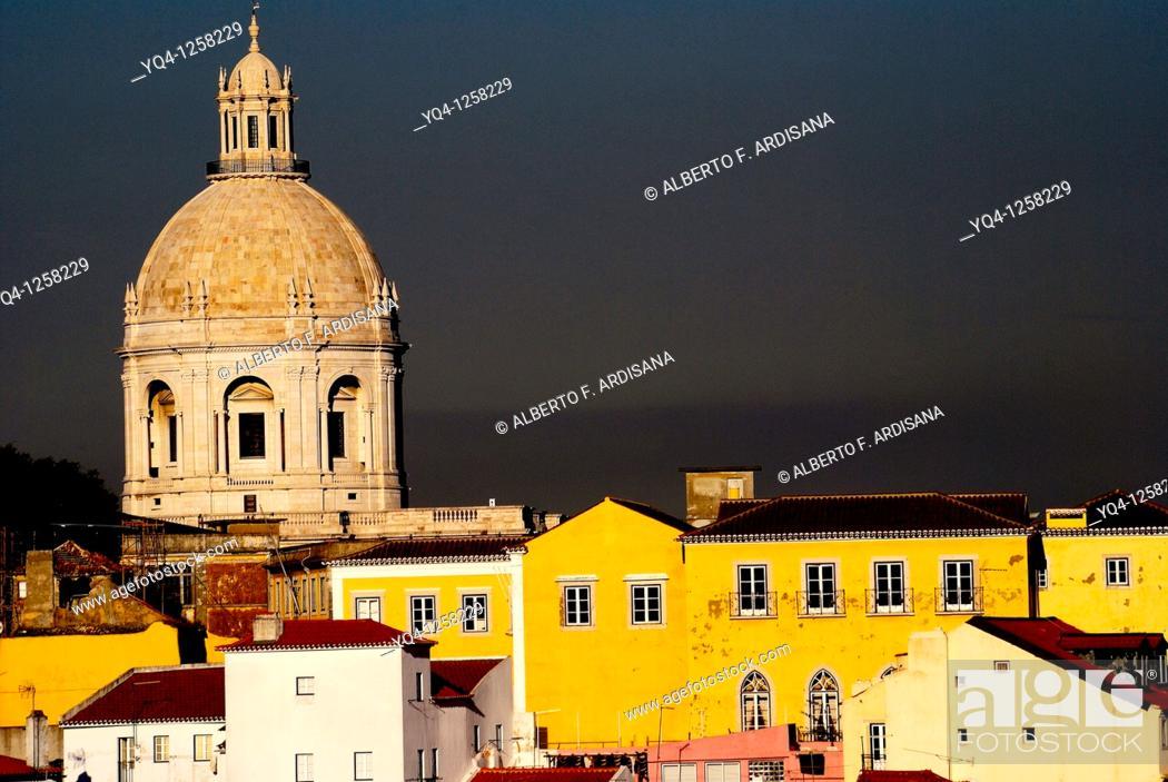 Stock Photo: View of the Pantheon dome from the Mirador Nacional das Portas do Sol, Alfama, Lisbon, Portugal.